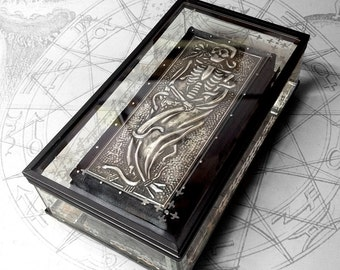 Transi Tomb Effigy : hand embossed memento mori repoussé metal 3d art