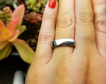 Singet ring    recycled sterling silver    size 6.5