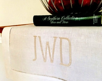Monogrammed table runner, linen table runner, monogrammed gift, monogrammed home decor, bridal gift, wedding gift
