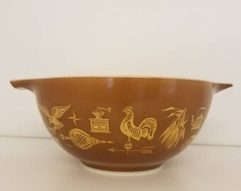 Vintage 1962-71 Pyrex Early American 442 Mixing Bowl, 22k Gold on Brown, 1 1/2 Qt