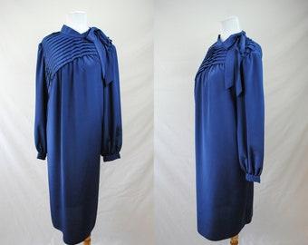 1970s Does the 30s Shift Dress // 30s Navy Blue Dress // Vintage Shift Dress // Vintage Plus Size Shift Dress // 70s Blue Long Sleeve Dress