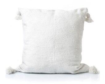 Moroccan pom pom cushion!