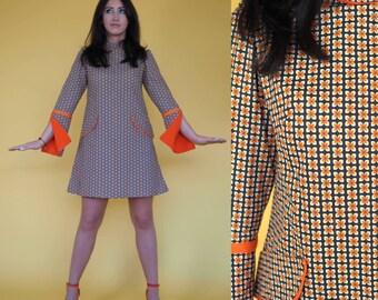 Brown and Orange little daisy print split sleeve 60's mod dress