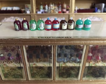 Miniature Dollhouse 1:12 Scale Small Toiletry Bottles