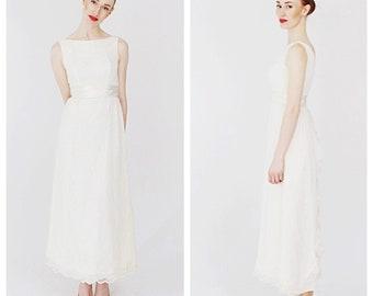 1950s White  Lace Wedding Dress- GOwn, Minimalist Vintage Bride