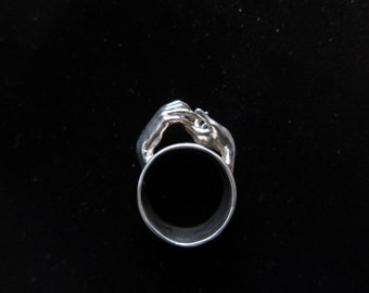 Two Hands Ring #1
