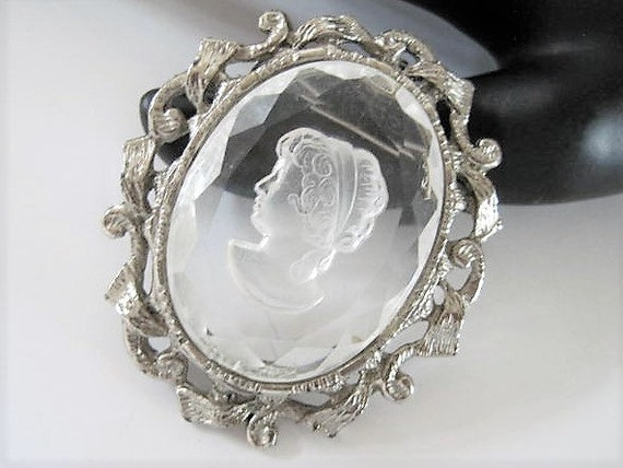 Clear Glass Cameo Pendant/Brooch,  Reverse Intaglio,  Vintage Brooch Pin