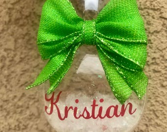 NEW Personalized Christmas Plastic Disk Ornament Red Green Bulb Family Name