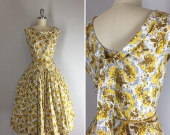 1950s Vintage Dress / 50s Floral Dress / Low Back Sundress