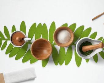 Felt table runner-Leave,Housewarming Gifts,Home Decor,Kitchen table Decor