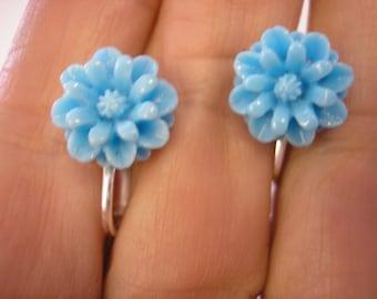 """Play Earring - Clip - Daisy - Blue - 3/8"""""""