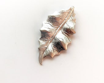 Silver Foiled Heavy Holly Leaf Pendant