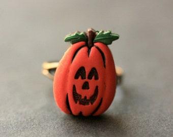 Pumpkin Ring. Halloween Jewelry. JackoLantern Ring. Halloween Ring. Jack o Lantern Ring. Adjustable Ring. Bronze Ring. Handmade Jewelry.