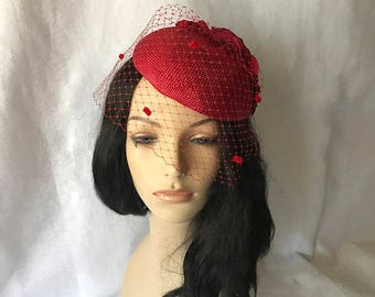 Red wedding hat with veil, poppy red fascinator, wedding fascinator red races fascinator Kate Middleton hat tea party hat red formal hat