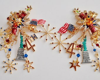 Absolutely Amazing Never Worn Lunch At the Ritz 4th Of July Earrings