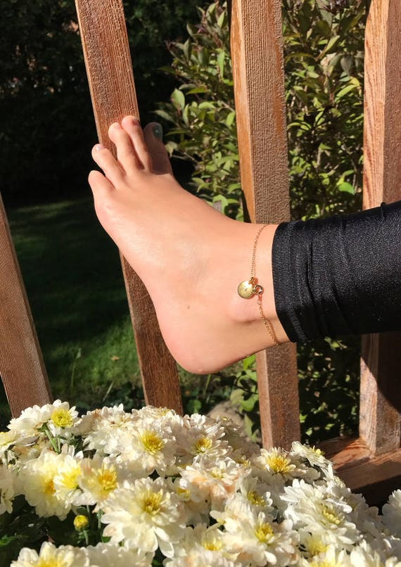 Chain Anklet in Gold Plated Link Chain with Gold Tierra Cast Initial Stamping Charm, Ankle Bracelet, Personalized Jewelry, Boho Jewelry