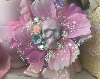 Skull pastel hair flower