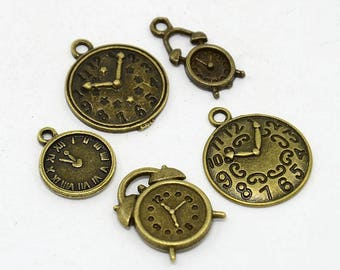 "Set of 5 bronze themed charms ""Clocks"" (BR036)"