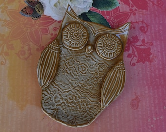 Spoon rest. Owl spoon rest. Owl soap dish. Ring dish. Owl ring holder. Hand carved Owl trinket dish. Owl plate. Ceramic Owl plate