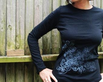 Graphic tee for women (S) womans tops tshirts, silkscreen womens t-shirt, womens tees, black long sleeve tshirt double deco