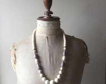 1950s plastic bead necklace