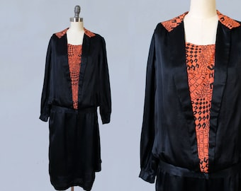 1920s Dress / 20s Black Satin Day Dress / ART DECO Graphic Print / Geometric