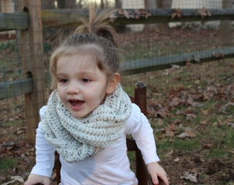 Toddler infinity scarf- Oatmeal