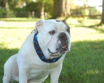 """Dog Cooling Bandana Gel Neck Cooler Collar Stay Cool Band Dogs Size XL fits 22"""" to 26"""" inch neck Blue Black Flames Made to Order iycbrand"""