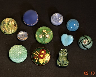 11,VTG Button Lot,Czech glass cat button,Green Moonglow, Green Enameled Fancy Asian Style with green bamboo,Assortment Glass