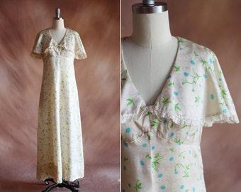 crème capelet satin soie floral maxi robe vintage des années 1970 avec dentelle garniture / taille s