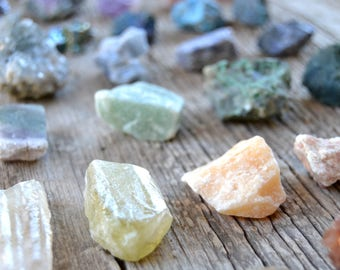 Mixed Raw Crystal Set / Beginner Crystal Kit / Choose from a set of 4 or 6 mystery crystals / Healing Crystals / Healing Crystals and Stones