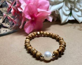 Wood beaded bracelet with fresh water pearl