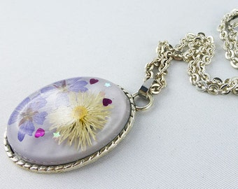 necklace, resin, flowers