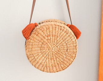 Leather strap • Straw bag • Thai Weaving seagrass(water hyacinth) • cross body bag • handmade with leather strap • boho bag in round