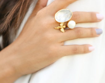 The Angel Ring, made with sterling silver coated 18 K gold, big quartz ring, pearl statement ring, diamond angel ring, big gold pearl ring