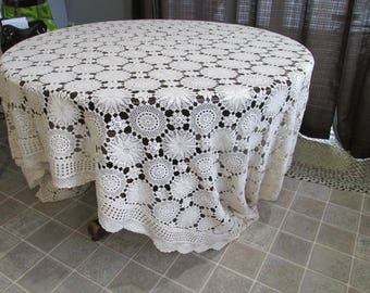"""CT-5 Vintage Crochet  Soft Ivory Banquet Tablecloth or Bedspread Snowflake Design Rectangle 66 x 138"""""""