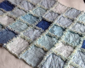 baby rag quilt in blues and yellow
