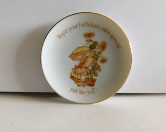 VINTAGE HOLLY HOBBIE Hope Your Birthday's Extra Special, Decorative Collectible Porcelain Plate Collector Plate Lasting Treasures