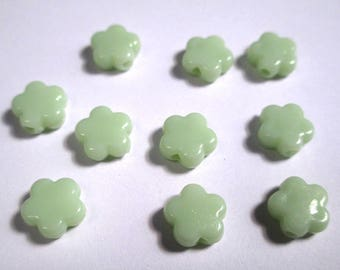 10 pearls light green acrylic star 9 x 9 x 4 mm (O-32)