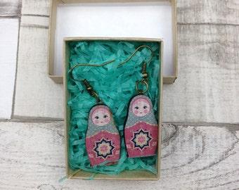 Blau und rosa russische Puppe Babuschka Ohrringe