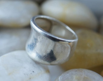 STERLING SILVER 925 SP Vintage Jewelry Wide Smooth Band Engagement/ Wedding/ Size -7.  st45