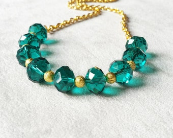Emerald Crystal statement necklace, Anniversary gift for wife, Green Crystal Strand Necklace, Layering necklace, elegant gold necklace