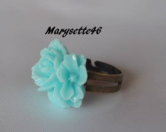 Adjustable ring bronze cabochon green bouquet of flowers in resin