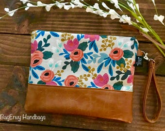 Grab N Go Wristlet Clutch - Coral Floral in Linen with Vegan Leather