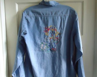 Vintage 70s Little Lady Hand EMBROIDERED CHAMBRAY Shirt sz M
