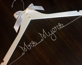 Personalized wedding dress hanger, bridal hanger, name hanger