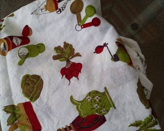 Vintage Material / Kitchen  Fabric / Vintage Textiles / Retro Cotton Fabric / Sewing Supplies / Craft Supplies / Craft Fabric