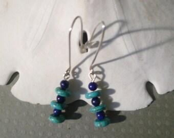 Accentuent les boucles d'oreilles en argent avec Turquoise et Lapis Lazuli