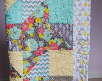 Dancing Pinwheels Free Motion Floral Quilt