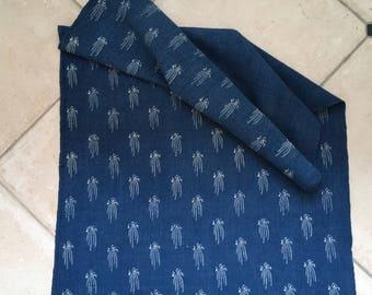 DNL1917 Dark Indigo Blue Tumbling Flowers Vintage Linen Upholstery Fabric
